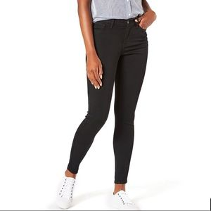 NWT Levi Strauss Mid Rise Skinny  Jeans